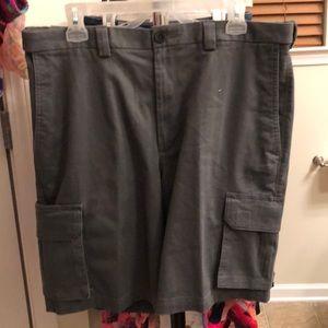 Men's NWOT Haggar grey khaki cargo shorts-36